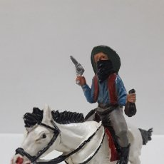 Figuras de Goma y PVC: VAQUERO BANDIDO A CABALLO . REALIZADO POR TEIXIDO . AÑOS 50 EN GOMA. Lote 173580157