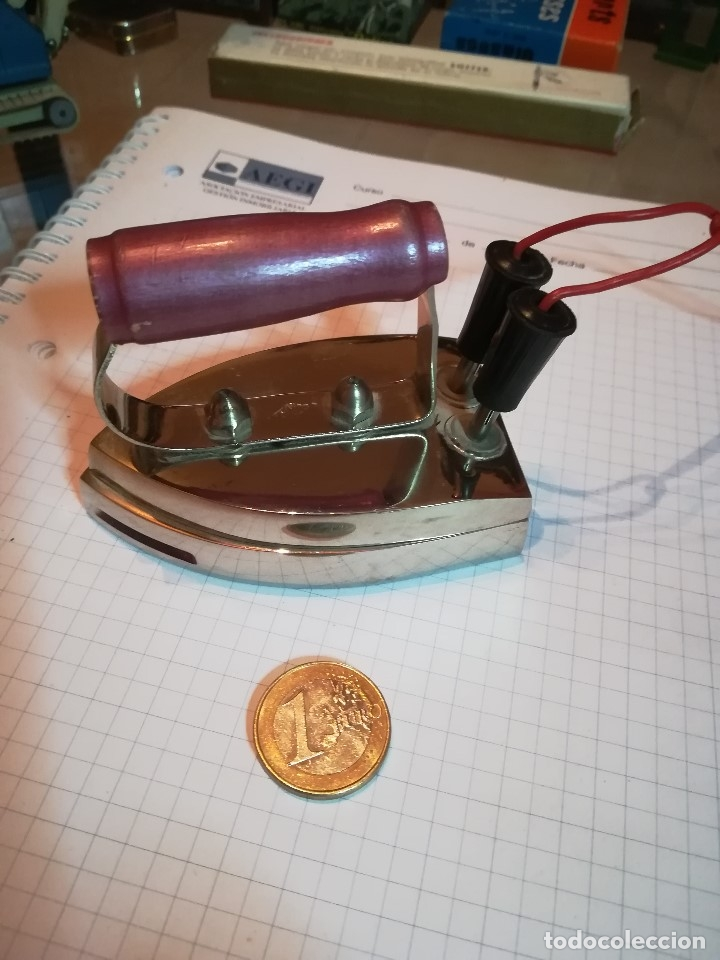 PEQUEÑA PLANCHA ELECTRICA TEIXIDO (Juguetes - Figuras de Goma y Pvc - Teixido)