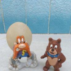 Figuras de Goma y PVC: FIGURA SAM BIGOTES Y PERRO SPIKE DE TOM Y YERRY. Lote 174035997