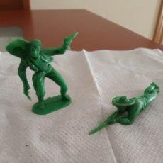 Figuras de Goma y PVC: FIGURAS DOS VAQUEROS EN PLASTICO. Lote 174089395