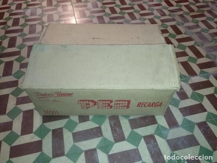 Dispensador Pez: HAGA SU OFERTA gran caja vacia recargas D dispensadores pez dulces unzue pamplona españa expositores - Foto 14 - 174101607