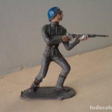Figuras de Goma y PVC: FIGURA DE PLÁSTICO SOLDADO ALEMÁN COMANSI. Lote 174149210