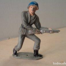 Figuras de Goma y PVC: FIGURA DE PLÁSTICO SOLDADO ESPAÑOL COMANSI. Lote 174149314