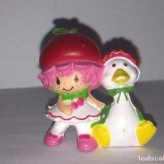 Figuras de Goma y PVC: FIGURA O MUÑECO GOMA PVC - MUÑECA TARTA DE FRESA, STRAWBERRY SHORTCAKE, MACAO A.G.C 1982. Lote 174430063