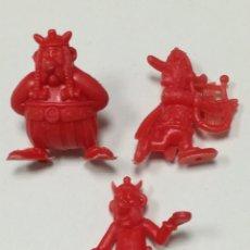 Figuras de Goma y PVC: FIGURAS DUNKIN ASTERIX MONOCROMAS COLOR ROJO - MARCA UDERZO 80. Lote 174532265
