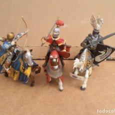Figuras de Goma y PVC: CABALLEROS MEDIEVALES DE SCHLEICH - PAPO. Lote 174640920