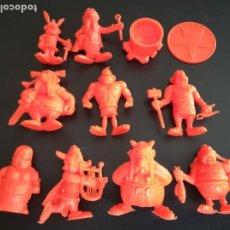 Figuras de Goma y PVC: FIGURAS DUNKIN ASTERIX MONOCROMAS COLOR NARANJA - MARCA UDERZO 80. Lote 174676710