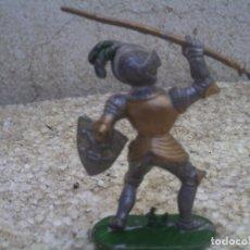 Figuras de Goma y PVC: GUERREO MEDIAVAL. Lote 175063117