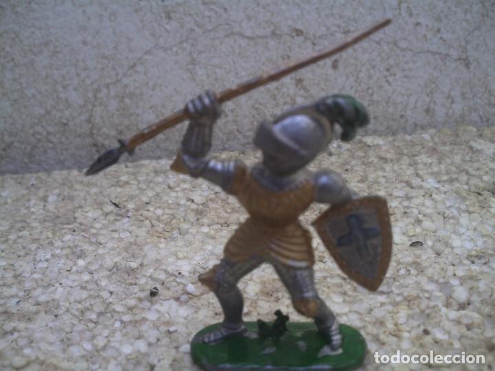 Figuras de Goma y PVC: guerreo mediaval - Foto 2 - 175063117