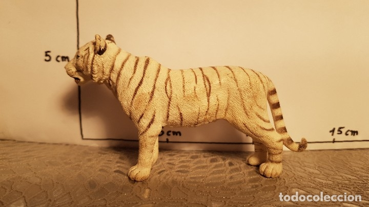 Figuras de Goma y PVC: Tigre de juguete Schleich - Foto 2 - 175126447