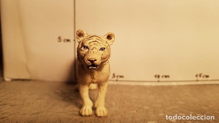 Figuras de Goma y PVC: Tigre de juguete Schleich - Foto 3 - 175126447