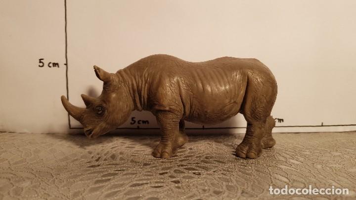 Figuras de Goma y PVC: Rinoceronte de juguete Schleich - Foto 2 - 175126862
