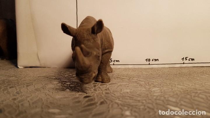 Figuras de Goma y PVC: Rinoceronte de juguete Schleich - Foto 3 - 175126862