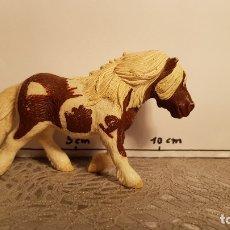 Figuras de Goma y PVC: PONI DE JUGUETE SCHLEICH. Lote 175127357