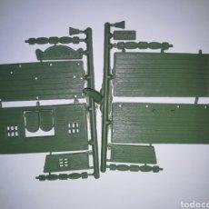 Figuras de Goma y PVC: SALOON DEL OESTE MONTAPLEX SOBRE 451 AÑOS 60 Y 70. Lote 175234974