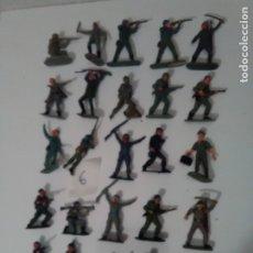Figuras de Goma y PVC: 25 CASCOS AZULES DE JECSAN - LOTE 6. Lote 175331110