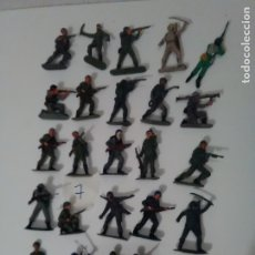 Figuras de Goma y PVC: 25 CASCOS AZULES DE JECSAN - LOTE 7. Lote 175331170