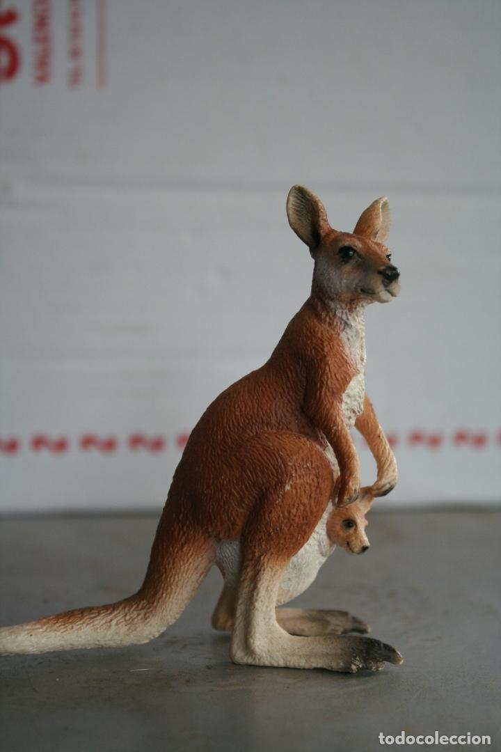 Figuras de Goma y PVC: figura canguro con su cria schleich REF 14603 año 2008 - Foto 2 - 175425608