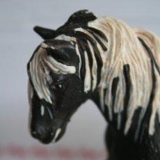 Figuras de Goma y PVC: FIGURA YEGUA TINKER GYPSY VANNER CABALLO DE SCHLEICH AÑO 2003 REF 13279. Lote 175428555