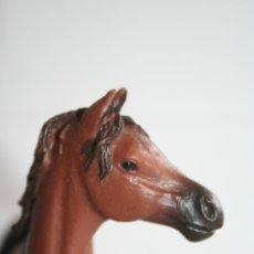 Figuras de Goma y PVC: FIGURA YEGUA ÁRABE DE PAPO AÑO 2008 CABALLO. Lote 175431109