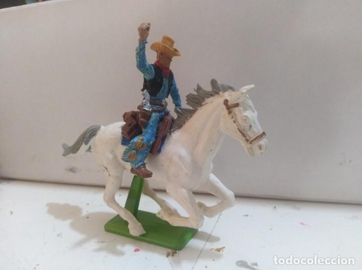 Figuras de Goma y PVC: Figura de goma Britains deeteil 1971vaqueros indios oeste fart west a caballo - Foto 2 - 175450632