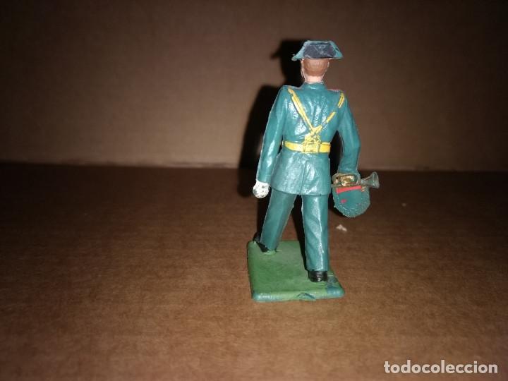 Figuras de Goma y PVC: FIGURA DE PLÁSTICO GUARDIA CIVIL CON TROMPETA DESFILANDO REAMSA ORIGINAL AÑO 1970 - Foto 2 - 175463452