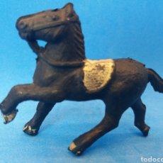 Figuras de Goma y PVC: ANTIGUA FIGURA DEL OESTE EN GOMA. ALCA CAPELL Y/O LAFREDO. AÑOS 50/60. Lote 175632693