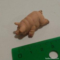 Figuras de Goma y PVC: CERDO CERDITO SCHLEICH FIGURA PVC GRANJA PIG MUÑECO. Lote 175753277