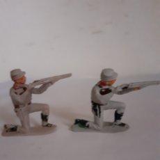 Figuras de Goma y PVC: JECSAN SOLDADOS SUDISTAS RODILLA TIERRA PLASTICO. Lote 175780883