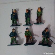 Figuras de Goma y PVC: 6 SOLDADOS 4 CM PINTADOS. Lote 175882750