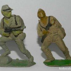 Figuras de Goma y PVC: 2 SOLDADOS JAPONESES. SERIE PUENTE SOBRE EL RIO KWAI. REALIZADO POR COMANSI. AÑOS 50 EN GOMA.. Lote 175954253