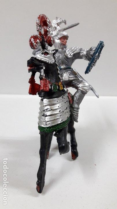 Figuras de Goma y PVC: GUERRERO MEDIEVAL A CABALLO . REALIZADO POR LAFREDO . AÑOS 60 - Foto 3 - 175976017
