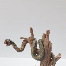 Figuras de Goma y PVC: SERPIENTE EN UN ARBOL . REALIZADA POR JECSAN . AÑOS 50 EN GOMA. Lote 175991698