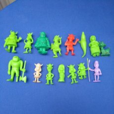 Figuras de Goma y PVC: LOTE DE 15 FIGURAS DUNKIN , SERIE PORTUGUESA, DE VICKIE EL VIKINGO, AÑOS 70/80. Lote 176073809
