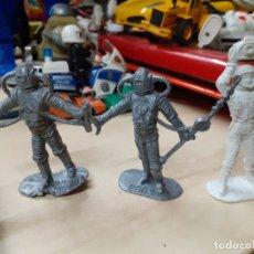 Figuras de Goma y PVC: LOTE DE 3 FIGURAS SERIE OVNI COMANSI.UFO.. Lote 176153485