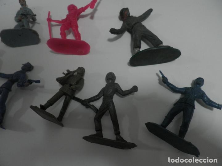 Figuras de Goma y PVC: 8 FIGURAS SOLDADOS COMANSI Y OTRAS MARCAS - Foto 3 - 176424575
