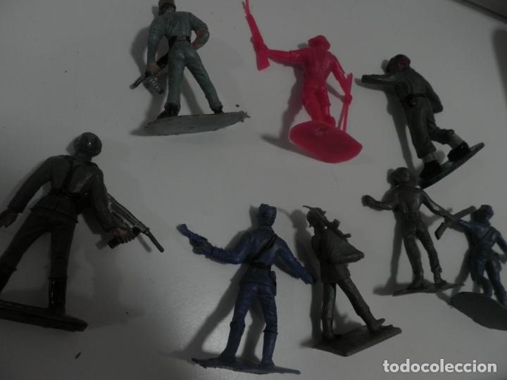 Figuras de Goma y PVC: 8 FIGURAS SOLDADOS COMANSI Y OTRAS MARCAS - Foto 5 - 176424575
