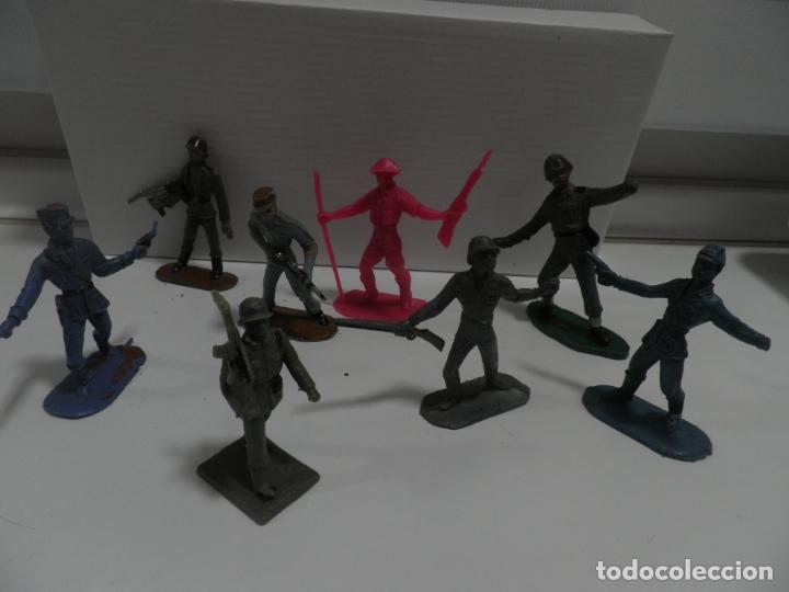 Figuras de Goma y PVC: 8 FIGURAS SOLDADOS COMANSI Y OTRAS MARCAS - Foto 6 - 176424575