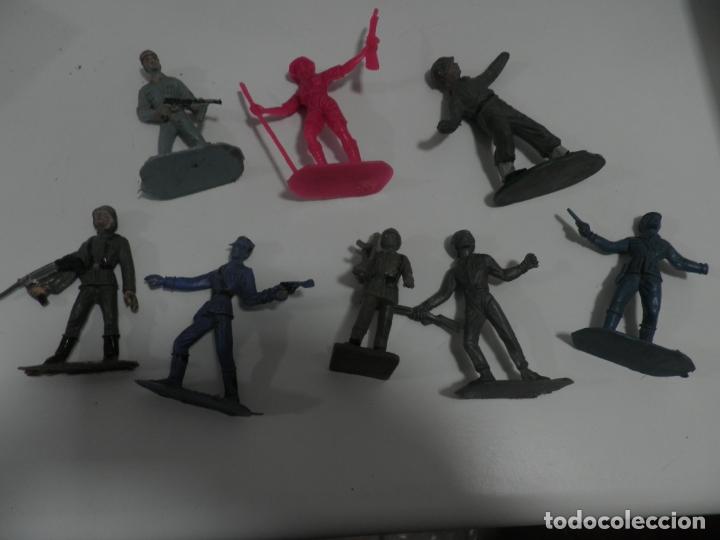 8 FIGURAS SOLDADOS COMANSI Y OTRAS MARCAS (Juguetes - Figuras de Goma y Pvc - Comansi y Novolinea)