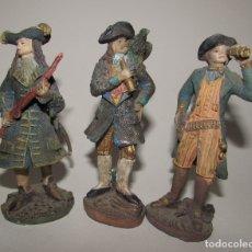 Figuras de Goma y PVC: BUCANEROS - LOTE DE TRES FIGURAS. Lote 176441418