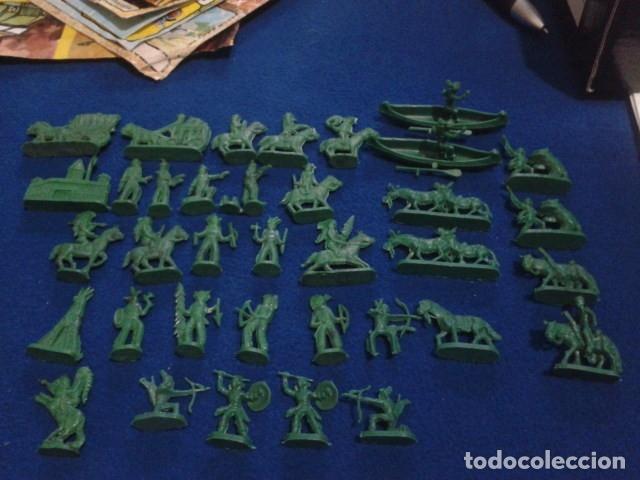 LOTE MONTAPLEX ( 39 FIGURAS INDIOS Y VAQUEROS ) (Juguetes - Figuras de Goma y Pvc - Montaplex)