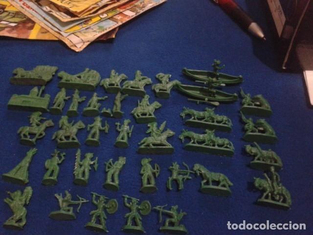 Figuras de Goma y PVC: LOTE MONTAPLEX ( 39 FIGURAS INDIOS Y VAQUEROS ) - Foto 3 - 176458204