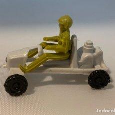 Figuras de Goma y PVC: COCHECITO DE PLASTICO. 4 X 3 CM. Lote 176503134