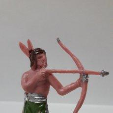 Figuras de Goma y PVC: GUERRERO INDIO . REALIZADO POR OLIVER . AÑOS 60 / 70. Lote 176957610