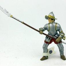 Figuras de Goma y PVC: FIGURA CABALLERO MEDIEVAL CON LANZA LARGA - PAPO - 2005 - 9CM. Lote 177046558