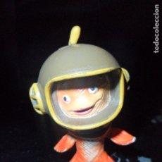 Figuras de Goma y PVC: PEZ - LITTLE CHICKEN - FIGURA PVC DISNEY BULLY -. Lote 177175149