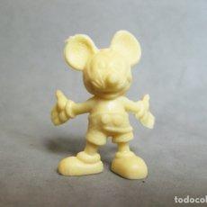Figuras de Goma y PVC: FIGURA DE PLÁSTICO DUNKIN DE MICKEY MOUSE COLOR CREMA OSCURO - WALT DISNEY. Lote 177303417