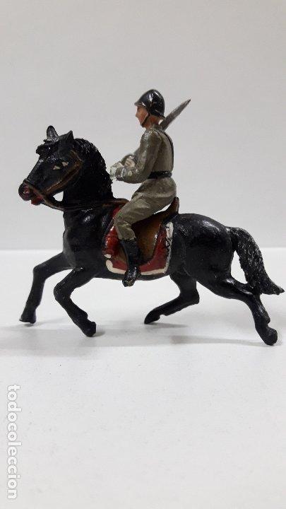 Figuras de Goma y PVC: OFICIAL ESPAÑOL A CABALLO - DESFILE DE LA VICTORIA . REALIZADO POR TEIXIDO . AÑOS 50 EN GOMA - Foto 6 - 177416464