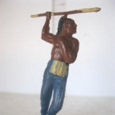 Figuras de Goma y PVC: INDIO DE DOS PIEZAS DE PIE CON LANZA NO SE LE VE NINGUNA MARCA AÑOS 50 VER F. ADICIONALES . Lote 177503133