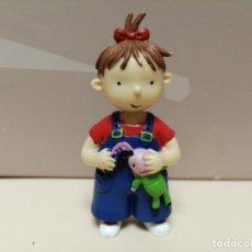 Figuras de Goma y PVC: FIGURA PVC LAS TRES BESSONES MELLIZAS YOLANDA CROMOSOMA 2006. Lote 177529503